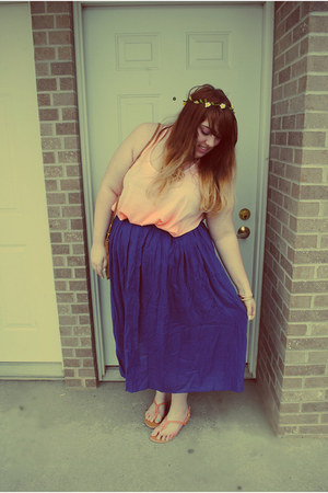 peach New Look Inspire top - brown bag thrifted bag - navy blue midi skirt