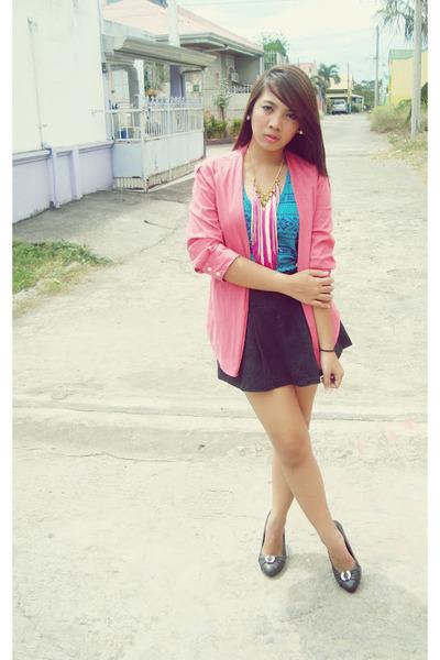 hot pink Mom blazer - bubble gum tassel necklace