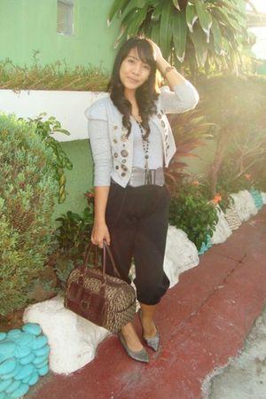 Spring shoes - Nine West - H&M Hareem pants - random brand cardigan - Forever 21