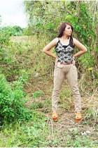lace intimate - tan pants - platforms Primadonna wedges