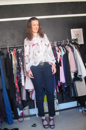 navy Dorothy Perkins jeans - white new look blouse - purple new look heels