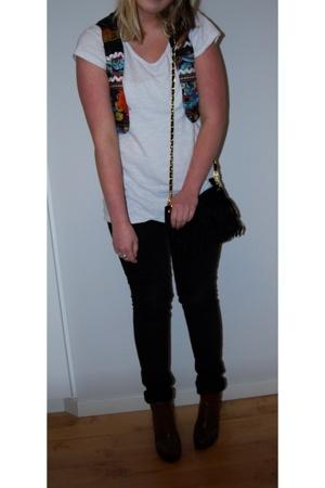 JC t-shirt - Vero Moda vest - Primark jeans - H&M boots - leileinu accessories