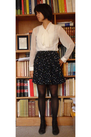 black thrifted boots - blue vintage skirt - white blouse - black tights