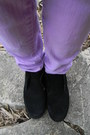 Denim-guess-shirt-black-clark-shoes-light-purple-bullhead-jeans