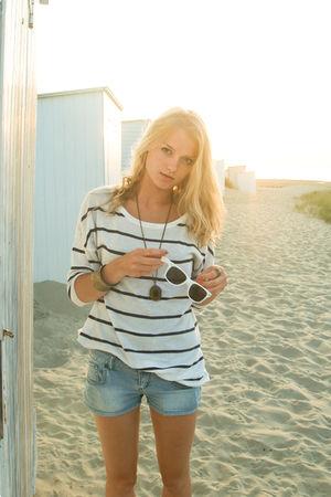 gray H&M sweater - blue H&M shorts - white rayban sunglasses