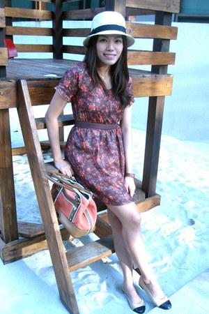 dark brown baby dress Bayo dress - carrot orange Anne Klein bag