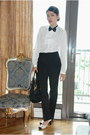 White-bally-shoes-tan-the-ramp-coat-black-classic-prada-bag-black-aldo-sun