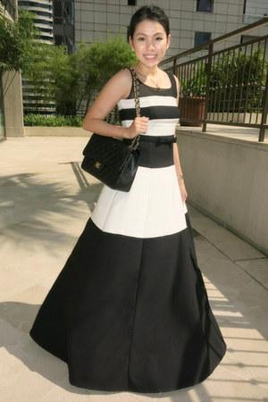 black Barba dress - black caviar Chanel bag