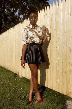 black pleated leather H&M skirt - ivory chain print thrifted vintage blouse