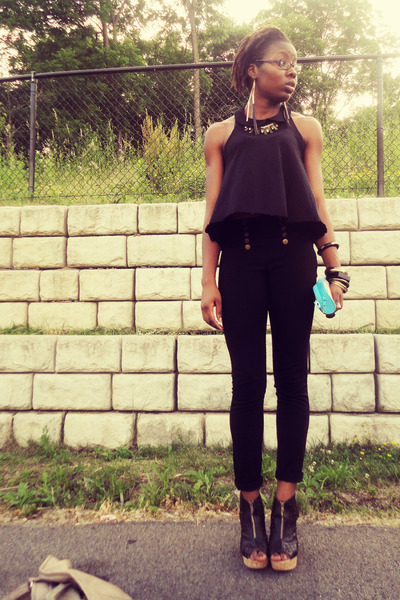 black H&M top - black skinny pants - black wedges