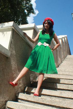 green BCBG dress - red Zara shoes
