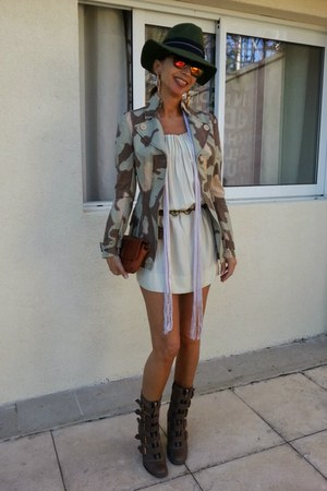 forest green tantra hat - brown Marc Jacobs boots - cream Isabel Marant scarf