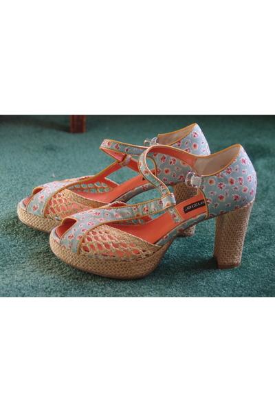 blue via crossroads kensie heels