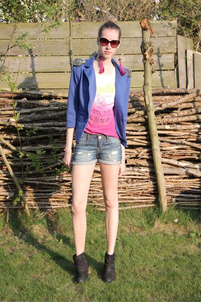 hot pink freakdelafashion earrings - dark gray W boots - blue Coolcat blazer