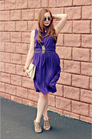 purple dress - vintage accessories