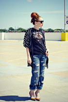 t-shirt - distressed jeans - sunglasses - cardigan - multi-colored heels