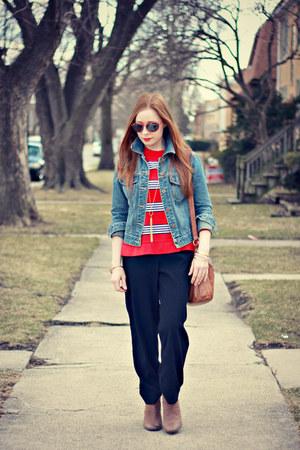 denim jacket - boots - striped shirt - bag - black pants