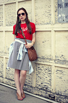 cross-body bag - denim shirt - striped skirt - red t-shirt