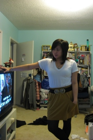 American Apparel t-shirt - American Apparel skirt - H&M belt