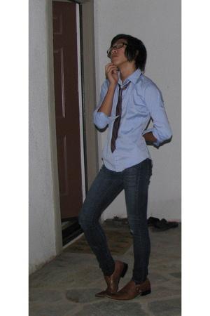 shirt - Refuge jeans - Taj shoes