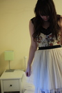 Black-thrifted-top-beige-topshop-bra-beige-heaven-earth-skirt-gray-falke