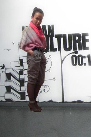 pink unknown top - pink Cotton Ink scarf - gray Zara pants - black Esprit belt -