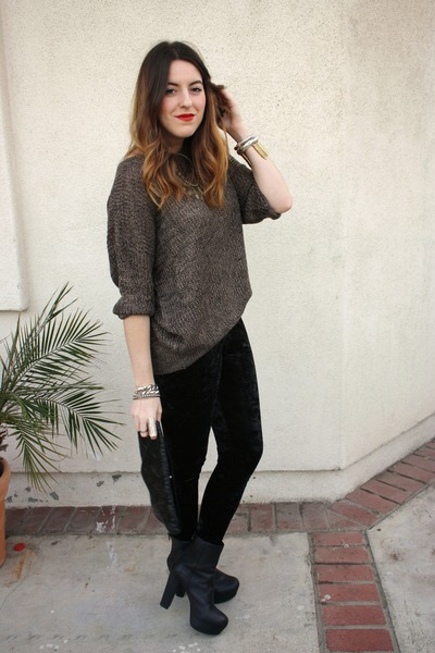 Forever 21 leggings - Steve Madden boots - Sway Chic sweater