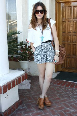 f21 t-shirt - foreign exchange shorts - Jeffrey Campbell shoes - Aldo purse - f2