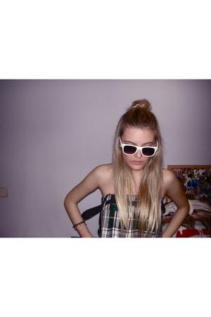 Zara dress - Ryanban sunglasses