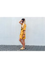 Mustard-dress-21-botones-dress-yellow-embroidered-jessica-buurman-sandals