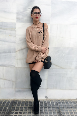 beige sweater sammydress sweater - black boots pull&bear boots