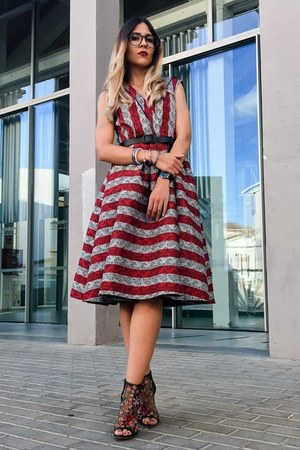ruby red striped VIPme dress - dark green floral Zara sandals