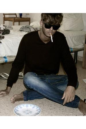 Massimo Dutti sweater - Pull & Bear jeans - ray ban wayfarer sunglasses