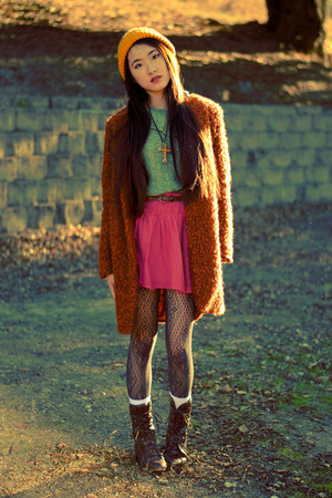 burnt orange wooly coat Piko 1988 coat - lace up boots Steve Madden boots