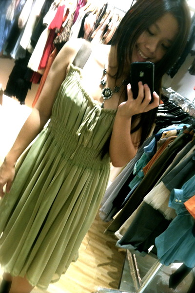 olive green chiffon MDS dress - necklace