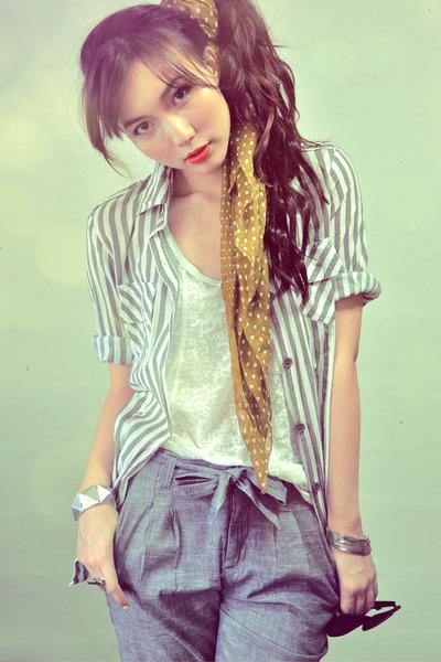 silver blouse - white shirt - mustard scarf - heather gray pants