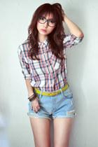 navy shirt - white shirt - salmon shirt - sky blue jeans - mustard belt