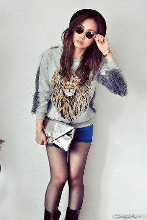 blue shorts - heather gray jumper