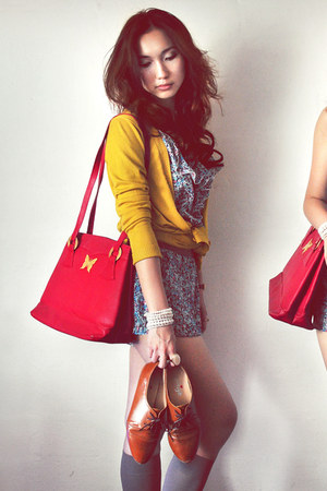 mustard cardigan - brown shoes - off white dress - navy dress - ruby red bag