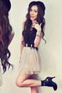 Black-shirt-beige-skirt-coral-accessories