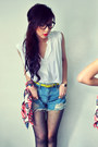 White-shirt-navy-scarf-red-scarf-sky-blue-shorts-mustard-belt