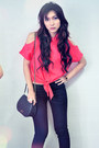 Navy-jeans-red-shirt-dark-brown-heels