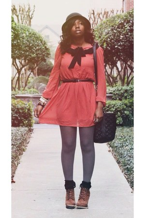 salmon dress - black bag - tawny Target wedges