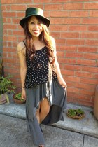 heather gray brandy melville skirt - teal accessories - black Forever 21 top