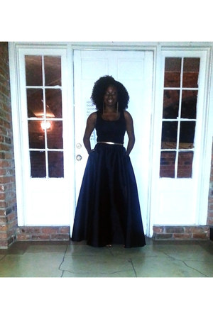 black taffeta Adrianna Papell skirt - black H&M top