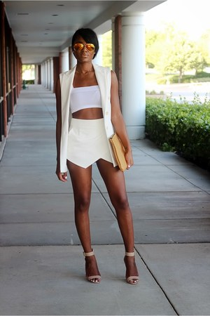 neutral Steve Madden sandals