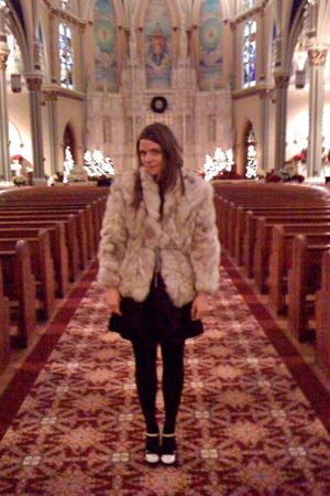 vintage fur jacket - embellished Forever 21 t-shirt - kenzie skirt