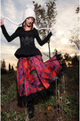 Red-chinese-painted-ruffle-skirt-skirt-black-woman-with-story-embroidered-swea