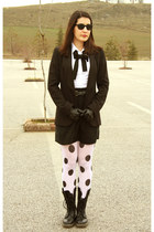 black doc martens boots - black Zara jacket - white Mango shirt - white H&M tigh