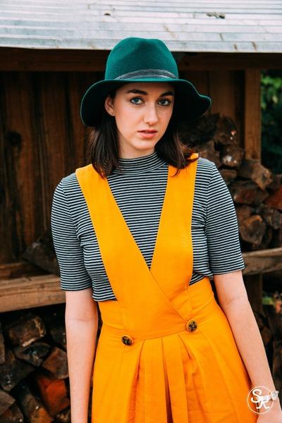 forest green Aldo hat - black H&M shirt - gold thrifted vintage jumper